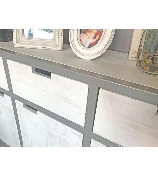 Weiße Industriemöbel mit Metall Rahmen in Grau, Korpus Massivholz