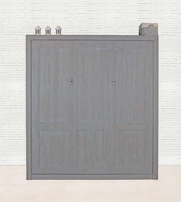 Großes Wandbett aus Holz