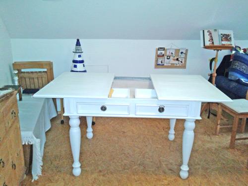 Weißer Esstisch 140 cm ausziehbar mit Schubladen