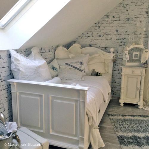 Landhausbett in Weiß