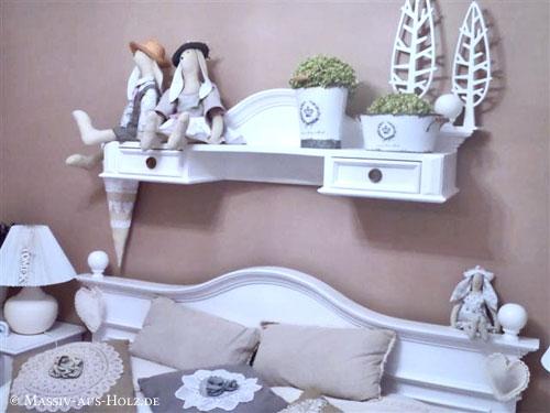 Schlafzimmer mit Shabby Chic Charme - MASSIV AUS HOLZ