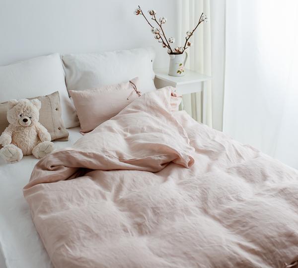 Linen Bettdecke und Bissen zartrosa