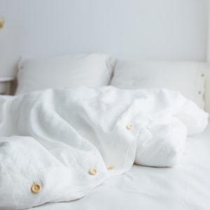 Bettwäsche aus Leinen weiß