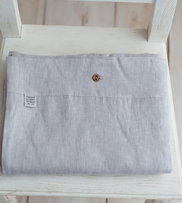 hellgrau-weiße Bettwäsche aus Leinen