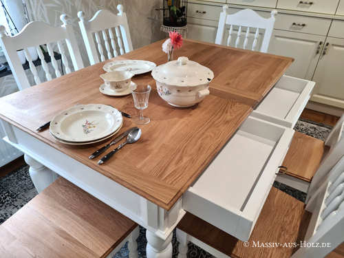 Individuelle Esszimmermöbel in Eiche natur - Tisch und Stühle