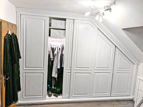 Kleiderschrank für Dachschräge - Einbauschrank mit Schiebetüren
