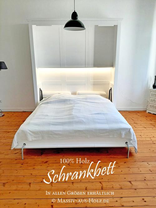 Schlichtes Bett im Schrank mit Beleuchtung
